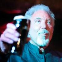 Tom Jones & VV Brown Celebrate Arthur's Day